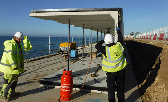 Densostrip™ sealant is applied to each beach hut edge in the pre-cast reinforced concrete terrace units at Milford on Sea.
