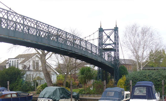 General view of the Thames Ditton suspended footbridge.